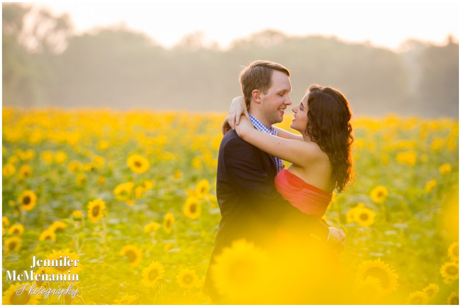 01-BlumWilliams_0575-0134_JenniferMcMenaminPhotography_sunflowers_engagement-photos_DC_Baltimore