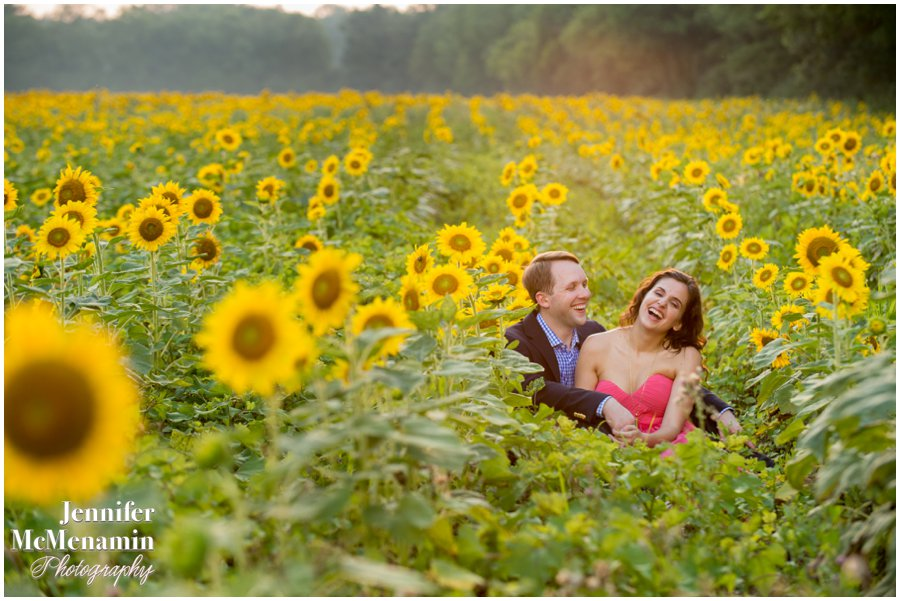 20-BlumWilliams_0523-0128_JenniferMcMenaminPhotography_sunflowers_engagement-photos_DC_Baltimore