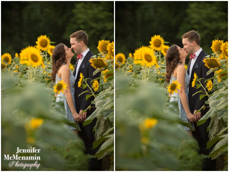 23-BlumWilliams_0642-0147_JenniferMcMenaminPhotography_sunflowers_engagement-photos_DC_Baltimore