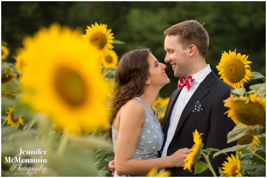 25-BlumWilliams_0657-0152_JenniferMcMenaminPhotography_sunflowers_engagement-photos_DC_Baltimore