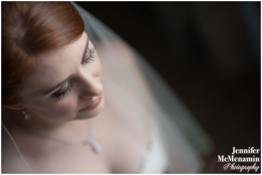 020-WeaverEisenscher_00590-0141_JenniferMcMenaminPhotography_GeorgePeabodyLibrary_BaltimoreWeddingPhotography