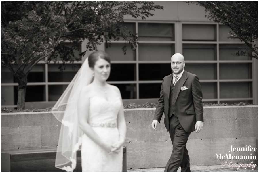 024-WeaverEisenscher_00620-0152_JenniferMcMenaminPhotography_GeorgePeabodyLibrary_BaltimoreWeddingPhotography