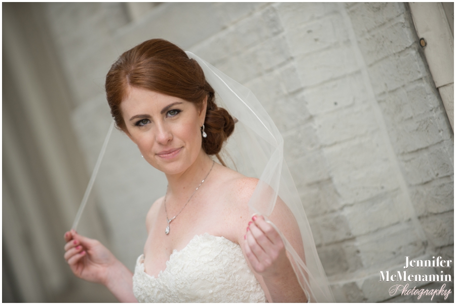 048-WeaverEisenscher_01457-0325_JenniferMcMenaminPhotography_GeorgePeabodyLibrary_BaltimoreWeddingPhotography