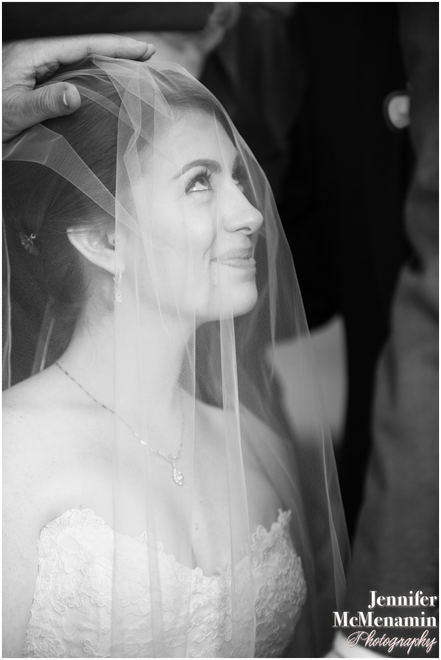 053-WeaverEisenscher_01518bw-0349_JenniferMcMenaminPhotography_GeorgePeabodyLibrary_BaltimoreWeddingPhotography