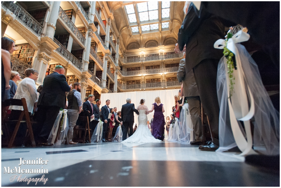 062-WeaverEisenscher_01699-0395_JenniferMcMenaminPhotography_GeorgePeabodyLibrary_BaltimoreWeddingPhotography