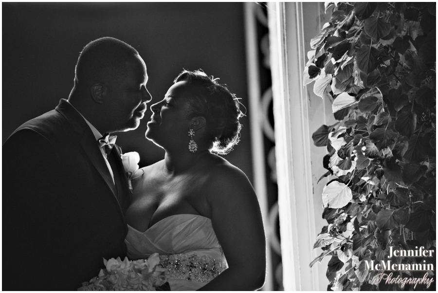 001-WilsonDow_01209bw-0323_JenniferMcMenaminPhotography_NewtonWhiteMansion_WashingtonDCWeddingPhotography
