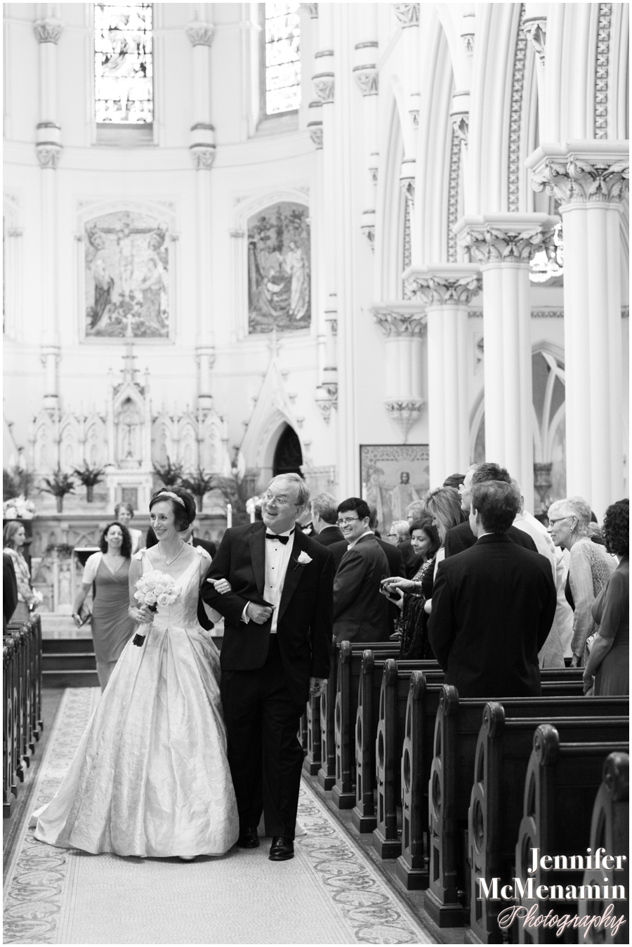 024-NespoliCarlberg_00975-0228_JenniferMcMenaminPhotography_Corpus-Christi-Church_The-Johns-Hopkins-Club_Baltimore-Wedding-Photography
