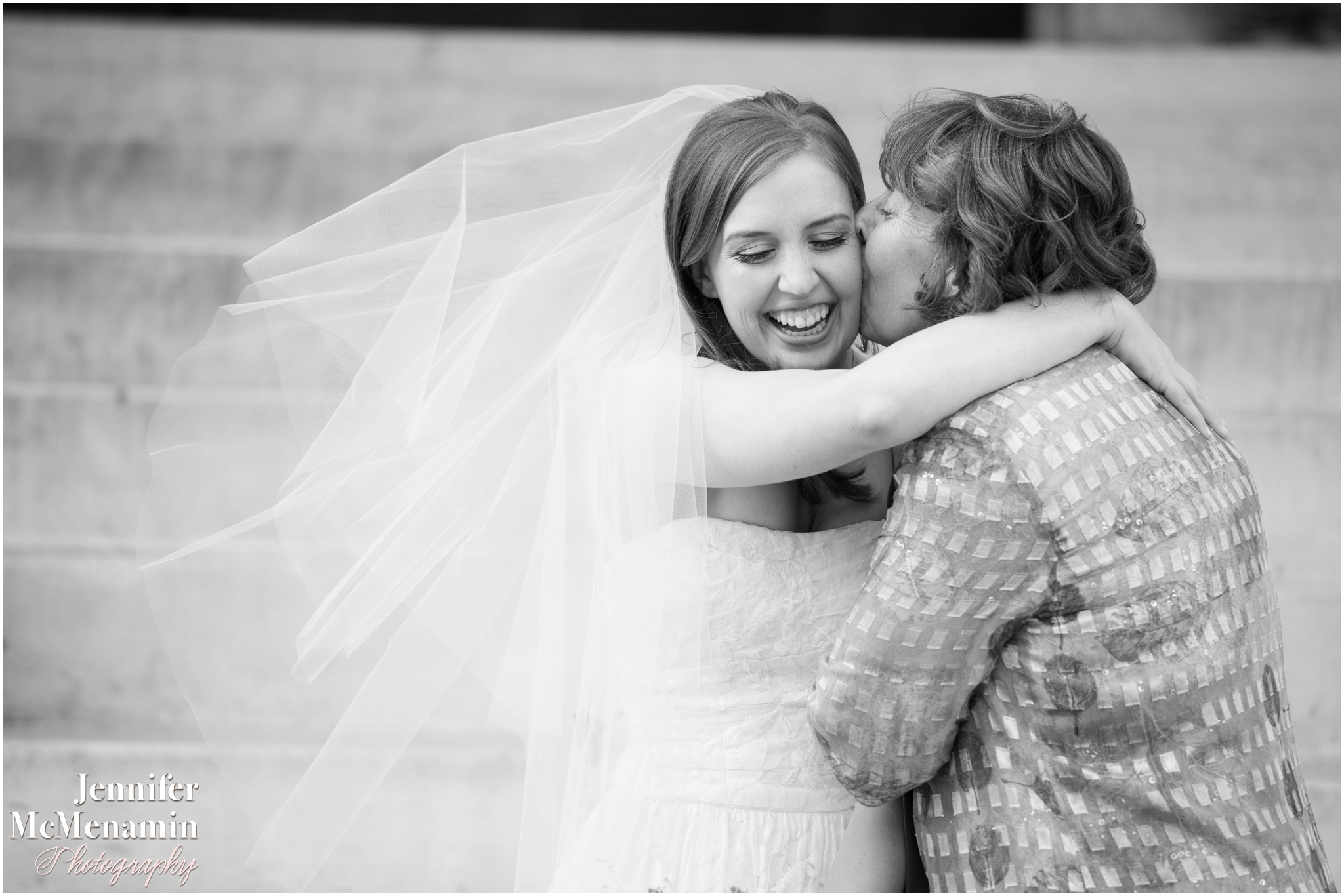 0046-WebbSlivnick_01710-0340_JenniferMcMenaminPhotography_George-Peabody-Library-wedding_Baltimore-wedding-photography_Baltimore-wedding-photographer
