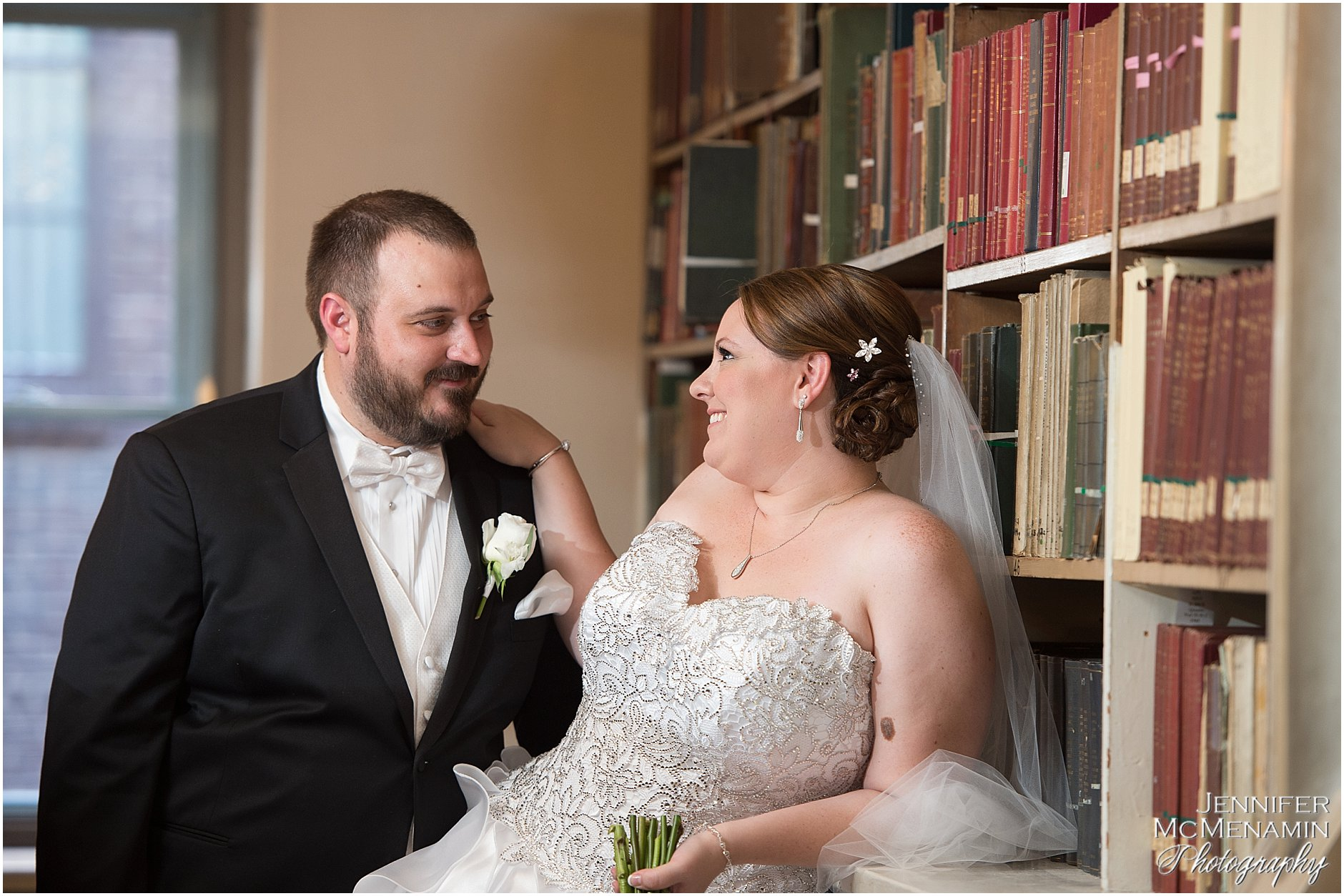 008-KinzlerShaull_01187_Jennifer-McMenamin-Photography-Peabody-Library-wedding