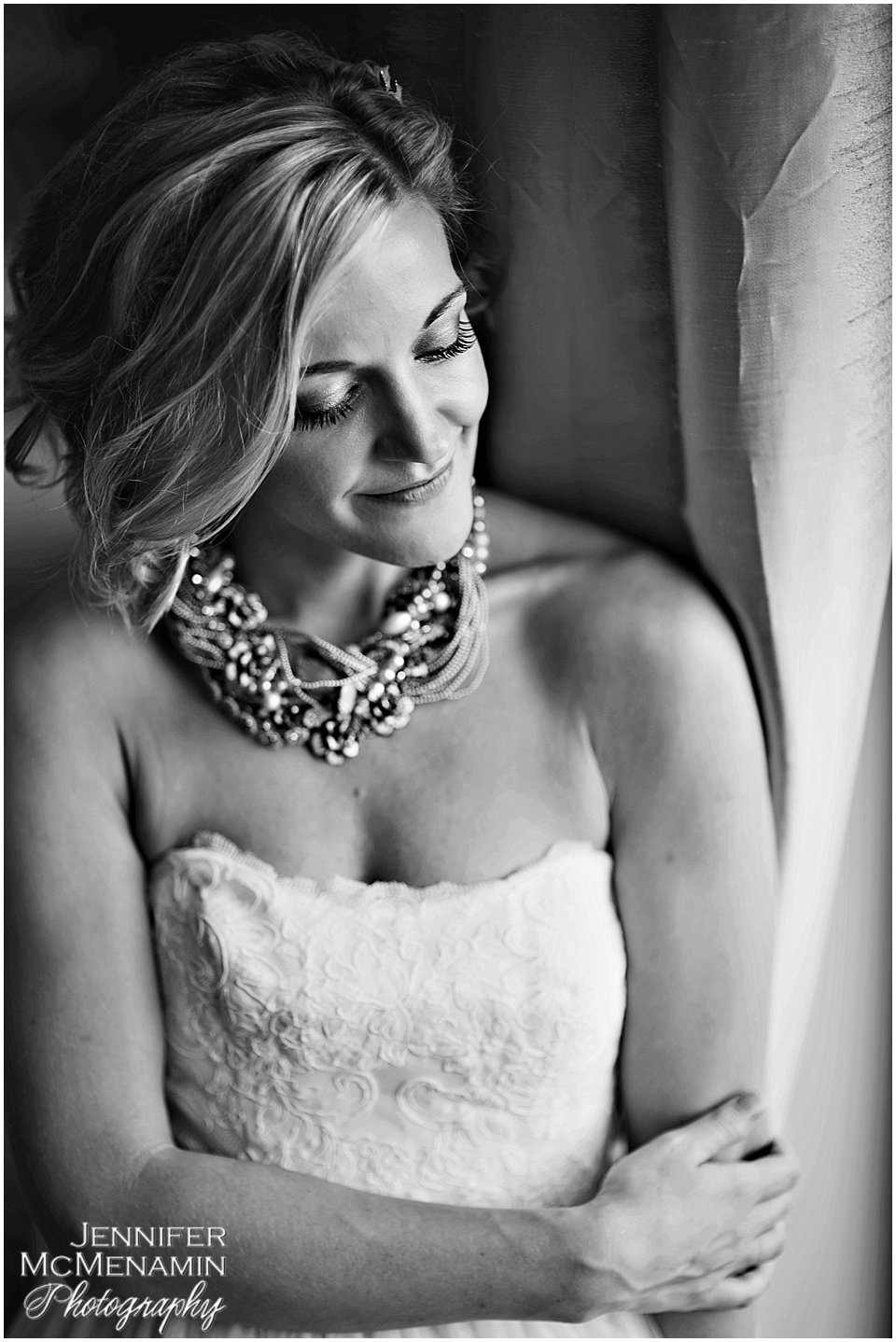 042-MorrisPustilnik_02202bw-0456_Jennifer-McMenamin-Photography-Royal-Sonesta-Harbor-Court-Hotel-wedding-Baltimore-wedding-photographer
