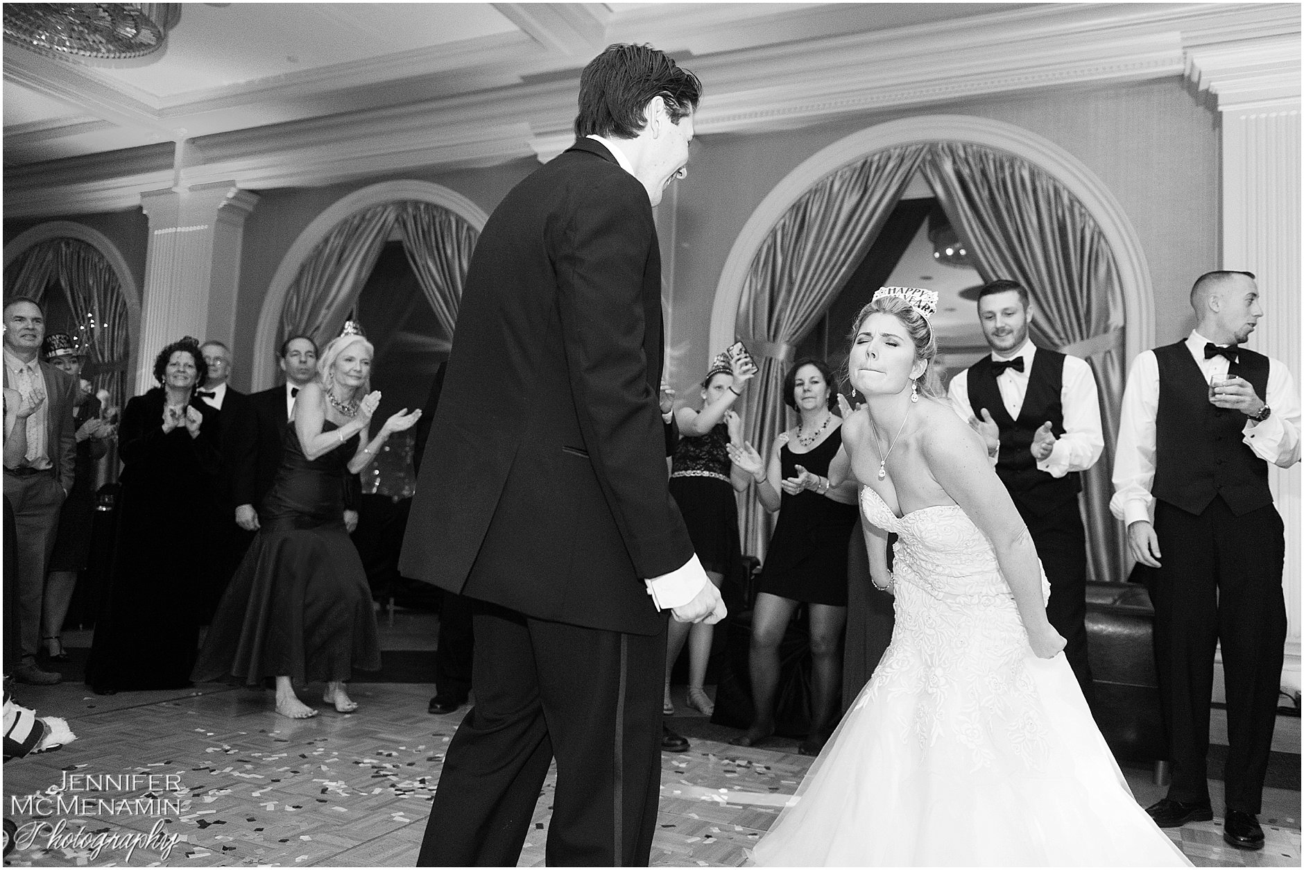 031-JohnsonBollinger_03172bw_Jennifer-McMenamin-Photography-Royal-Sonesta-Harbor-Court-wedding