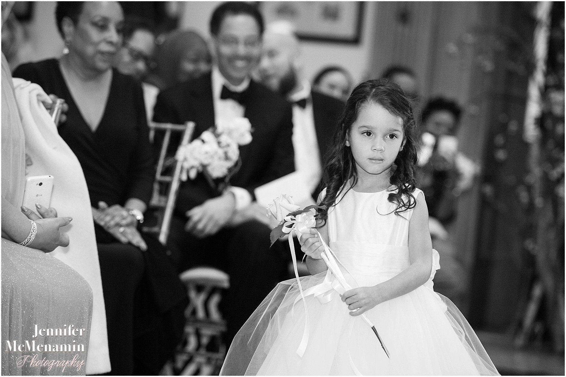 026-Peabody-Library-Wedding_WilsonPatterson_01399bw-0277_Jennifer-McMenamin-Photography