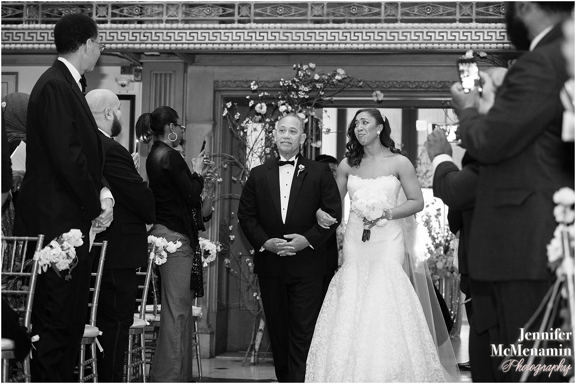 028-Peabody-Library-Wedding_WilsonPatterson_01452bw-0286_Jennifer-McMenamin-Photography