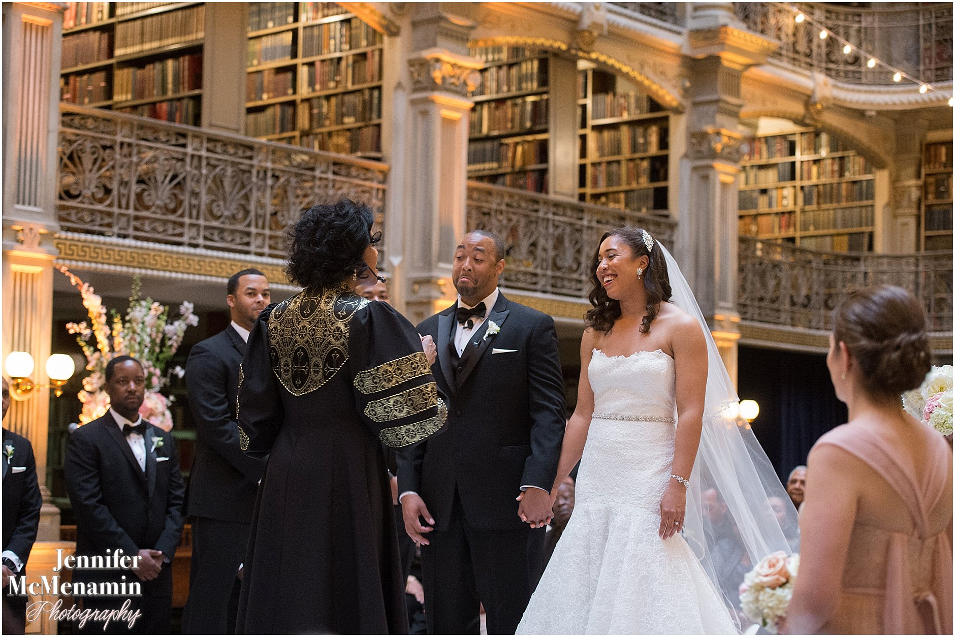 030-Peabody-Library-Wedding_WilsonPatterson_01610-0330_Jennifer-McMenamin-Photography