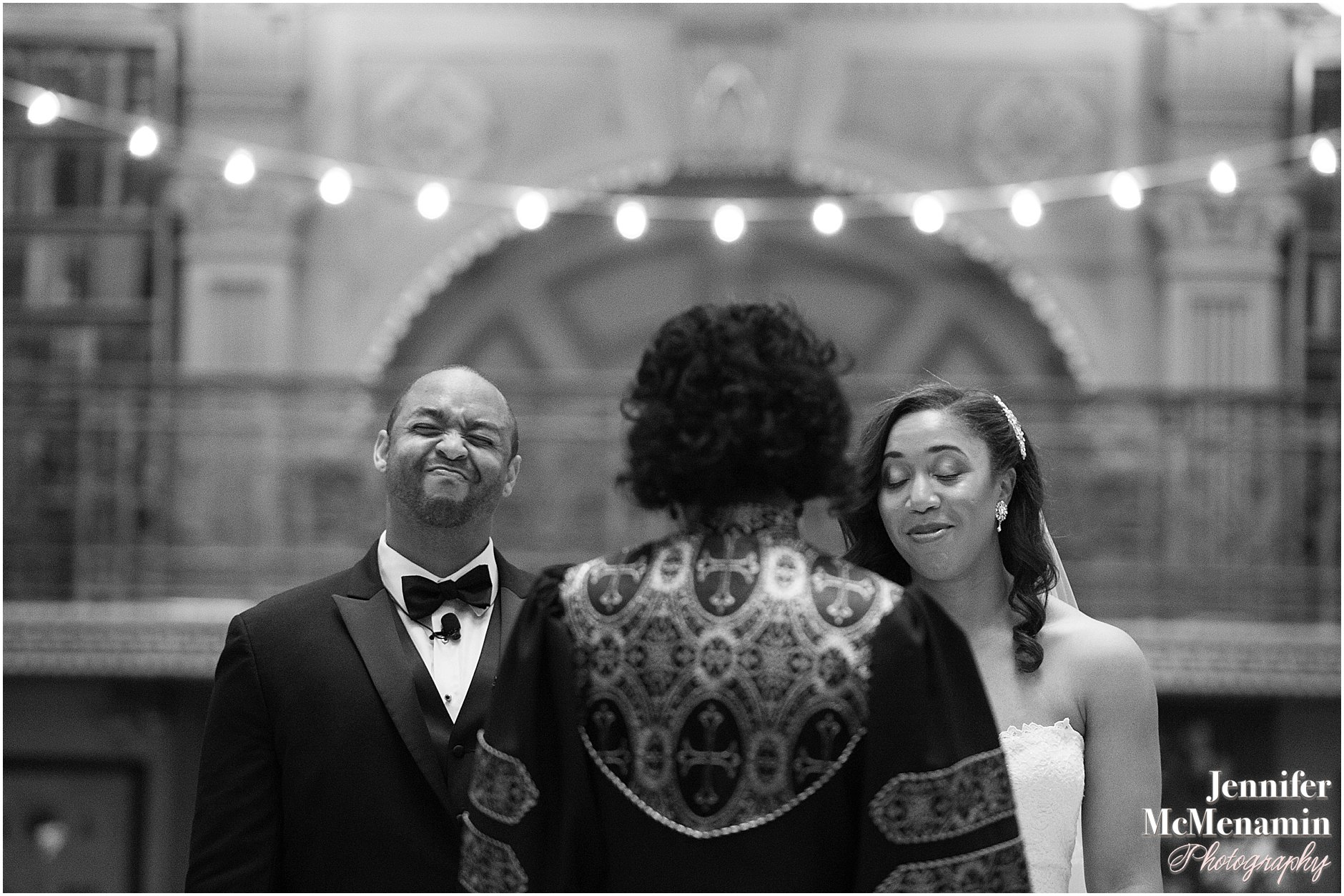 032-Peabody-Library-Wedding_WilsonPatterson_01646bw-0344_Jennifer-McMenamin-Photography