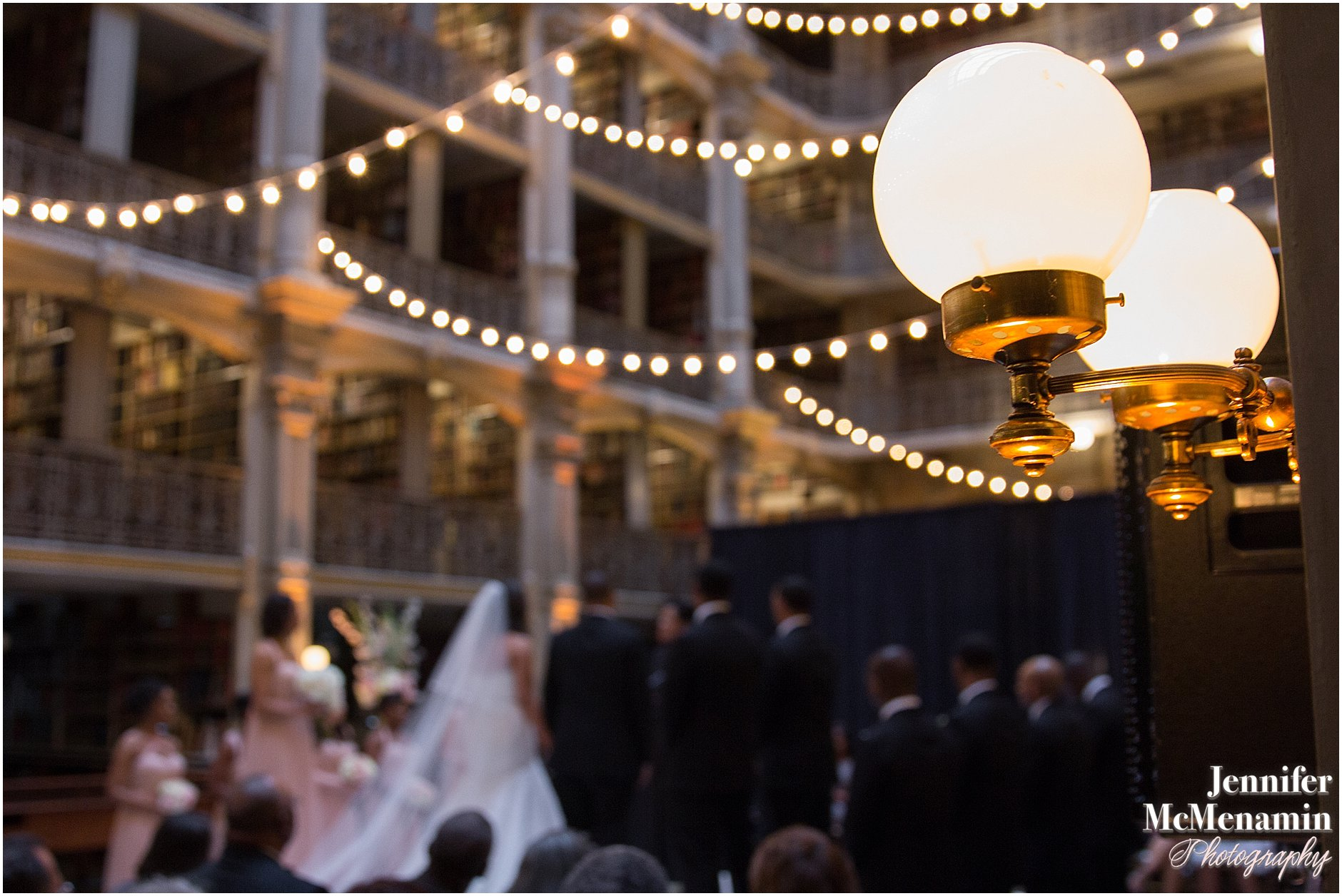033-Peabody-Library-Wedding_WilsonPatterson_01608-0329_Jennifer-McMenamin-Photography