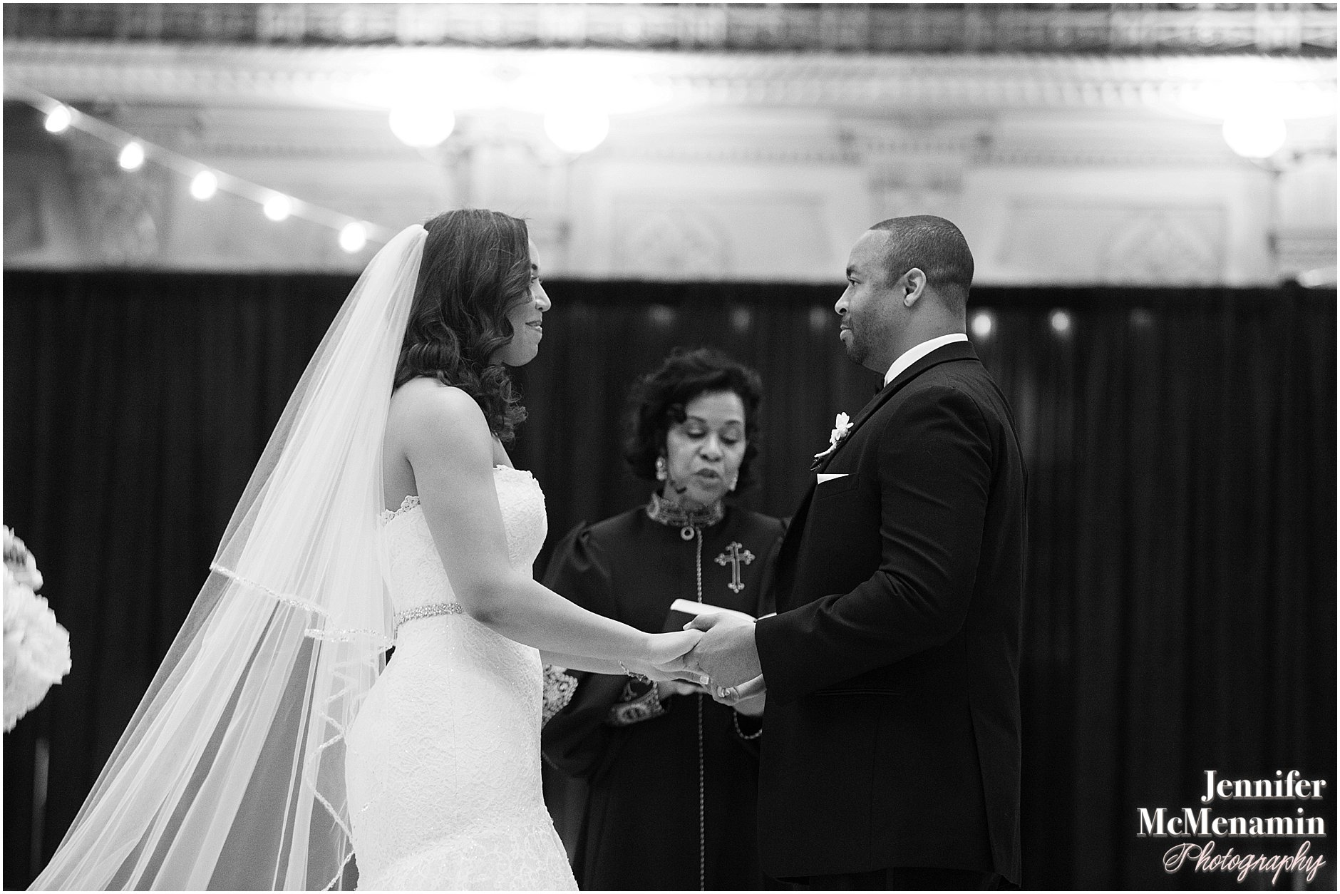 044-Peabody-Library-Wedding_WilsonPatterson_01846-0391_Jennifer-McMenamin-Photography