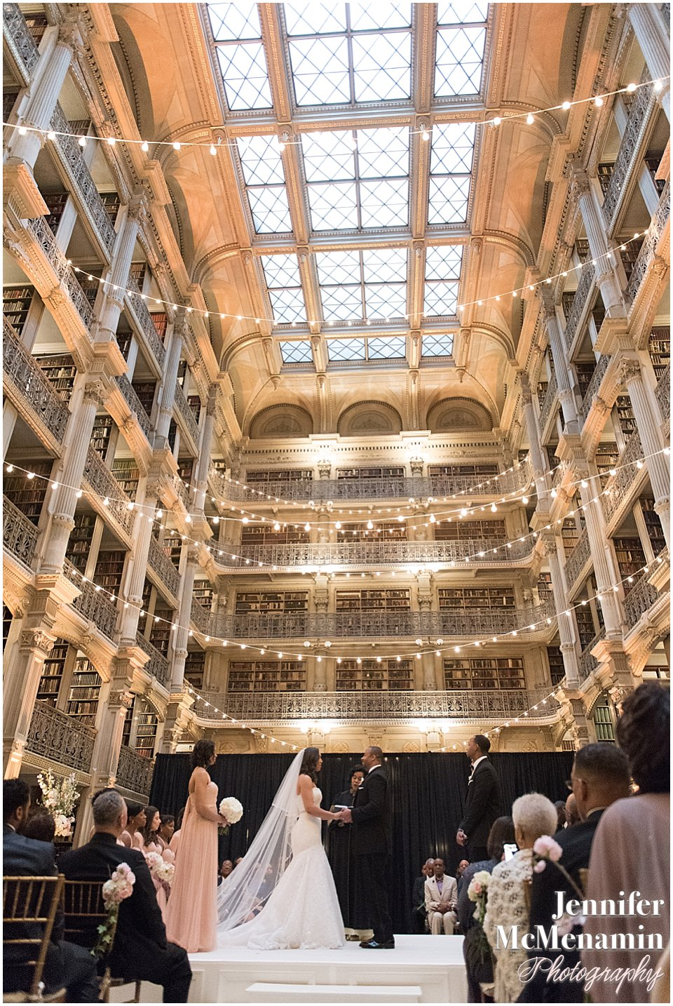 046-Peabody-Library-Wedding_WilsonPatterson_01885-0401_Jennifer-McMenamin-Photography