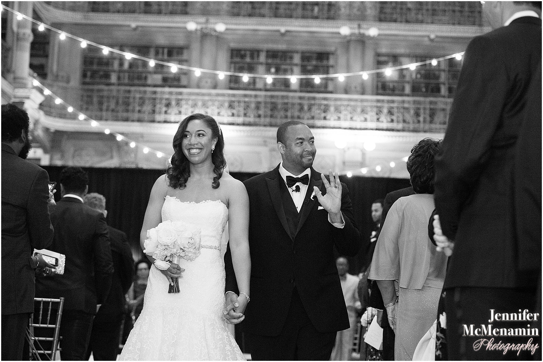 052-Peabody-Library-Wedding_WilsonPatterson_02028-0425_Jennifer-McMenamin-Photography