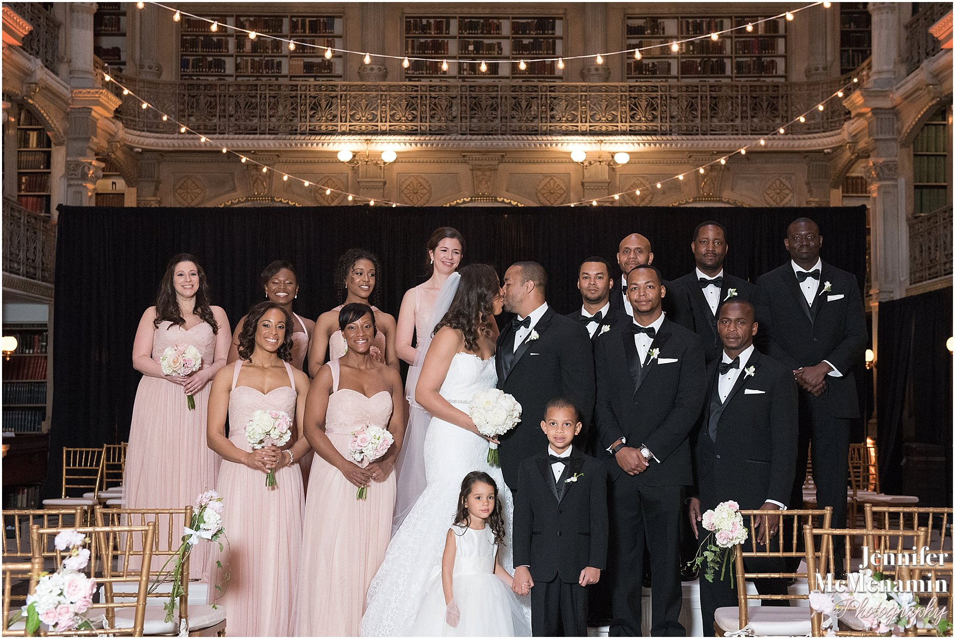 054-Peabody-Library-Wedding_WilsonPatterson_02152-0444_Jennifer-McMenamin-Photography