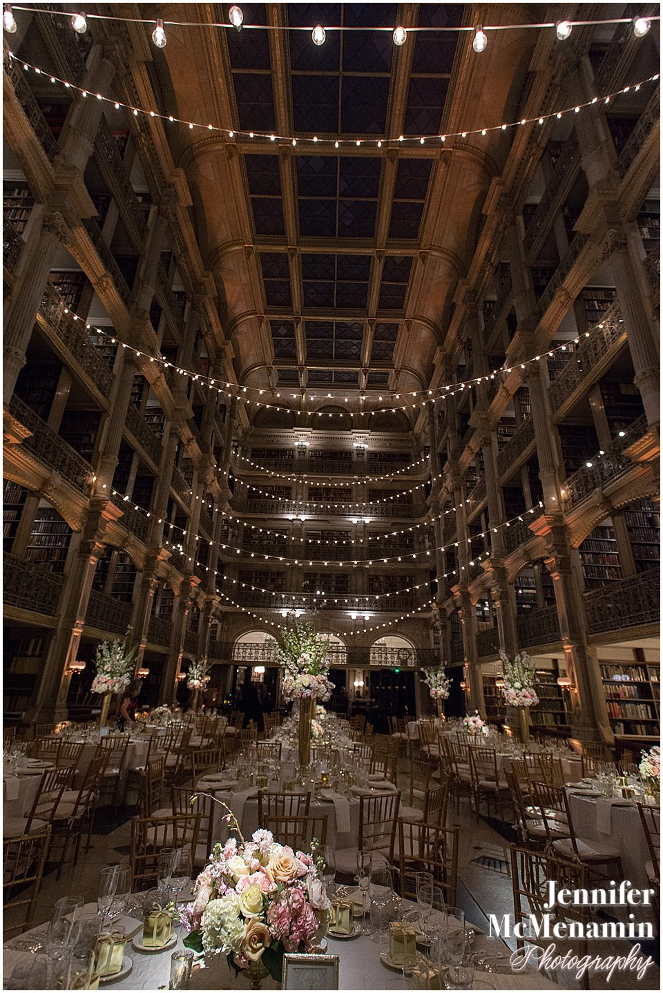063-Peabody-Library-Wedding_WilsonPatterson_02510-0524_Jennifer-McMenamin-Photography