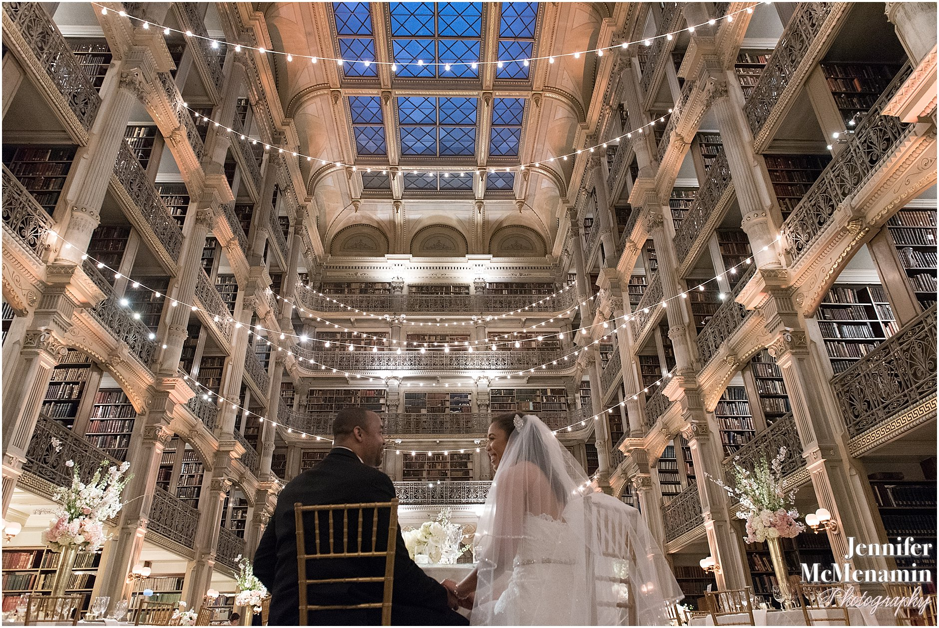 067-Peabody-Library-Wedding_WilsonPatterson_02651-0548_Jennifer-McMenamin-Photography