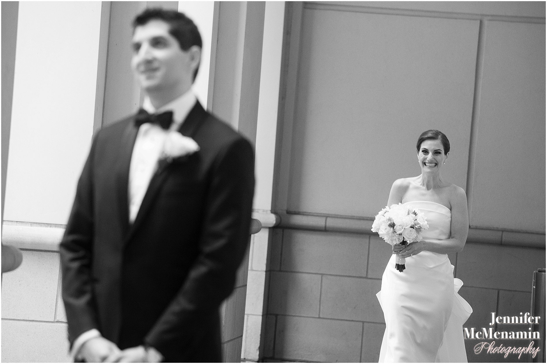 008-Jennifer-McMenamin-Photography-Baltimore-Waterfront-Marriott-wedding_0004