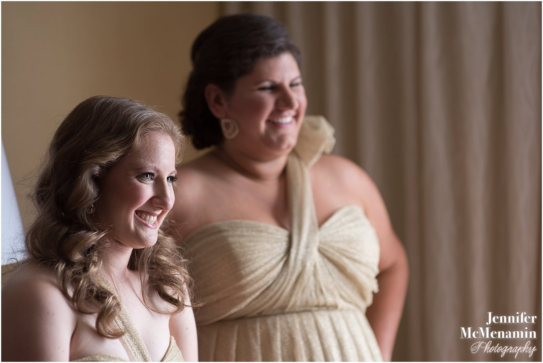 016-Jennifer-McMenamin-Photography-Baltimore-Waterfront-Marriott-wedding_0014