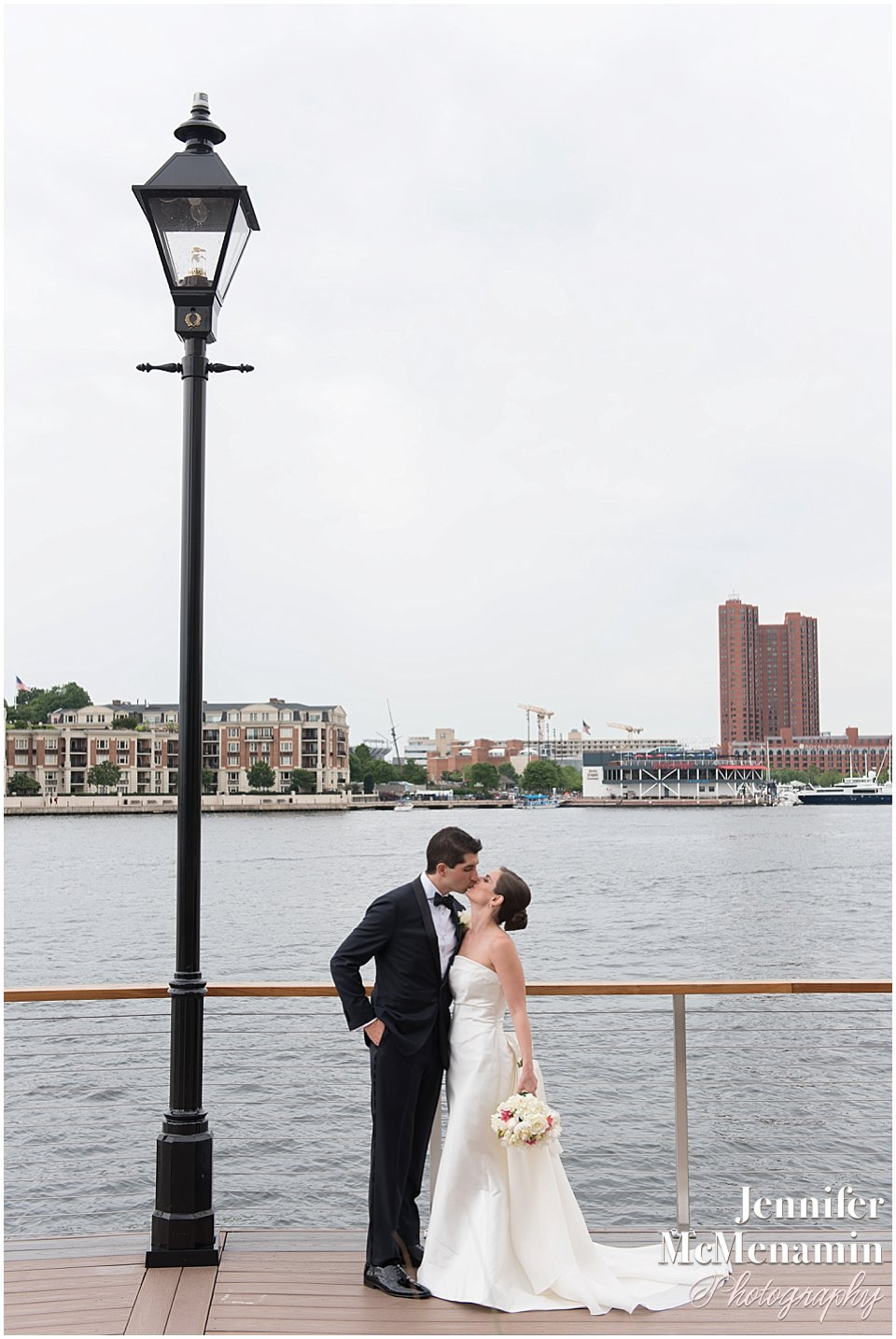031-Jennifer-McMenamin-Photography-Baltimore-Waterfront-Marriott-wedding_0029