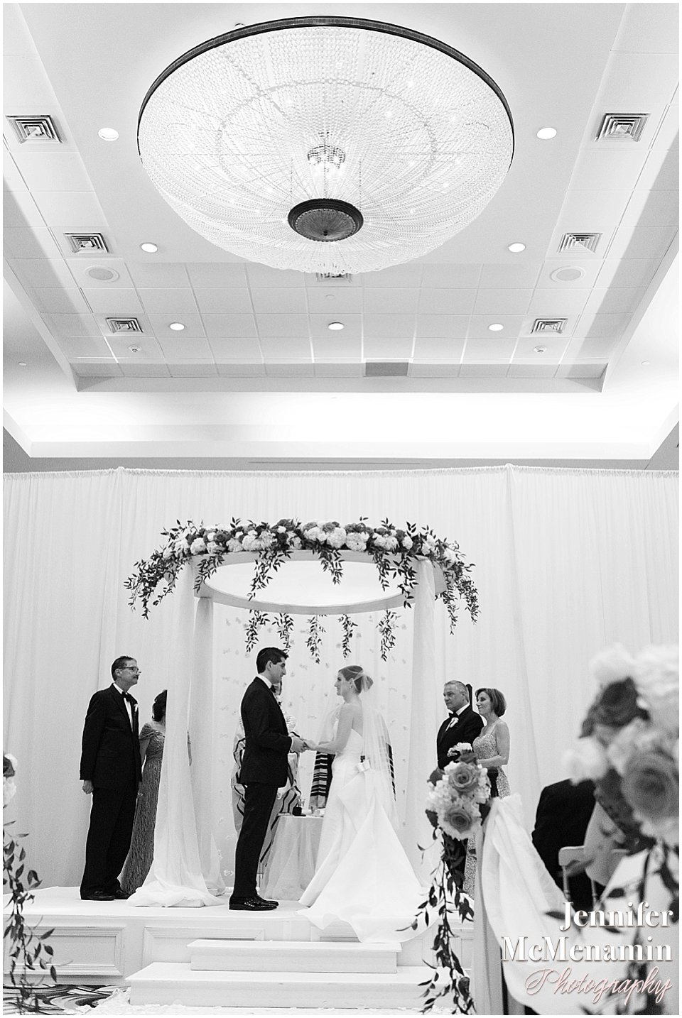 052-Jennifer-McMenamin-Photography-Baltimore-Waterfront-Marriott-wedding_0051